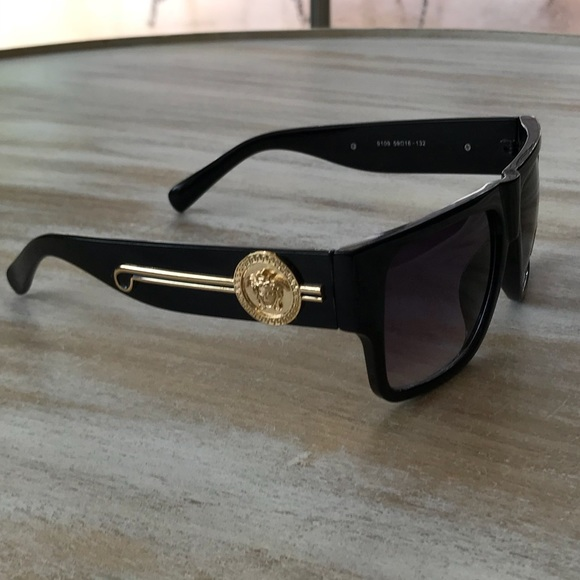 23b8c1ac8b6c Faux Versace style glasses NEW! But has a scratch!